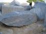 أحجار عديمة الشكل